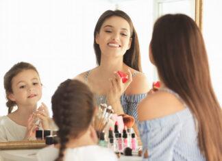 jaki zestaw kosmetyków wybrać dla małej dziewczynki?